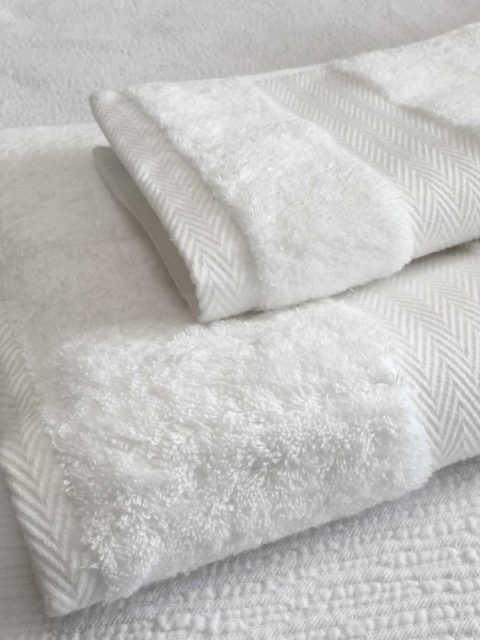 whitetowels